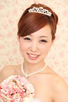 ティアラを使った花嫁ヘアスタイル・アレンジ画像集【結婚式・披露宴】 - NAVER まとめ
