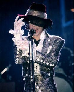 prince purple rain tour 1984 | its so pretty! I loved his voice but it was his clothing that caught my eye first,then his eye's beautiful.I still have that album. Lenett
