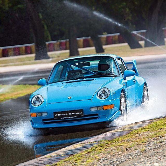Porsche 993 RS #porsche_clasico #porsche911 #porsche356 #porsche550spyder #porscheturbo #porsche912 #porsche914 #porsche918 #porschecarreragt #porsche904 #porsche #turbo #porsche930 #porsche964 #porsche965 #porsche993 #porsche996 #porsche997 #porsche991 #porsche924 #porsche928 #porsche944 #porscheboxter #porschecayman #classicporsche #classiccar #porscheclasico #cochesclasicos #clasico #porscheRS