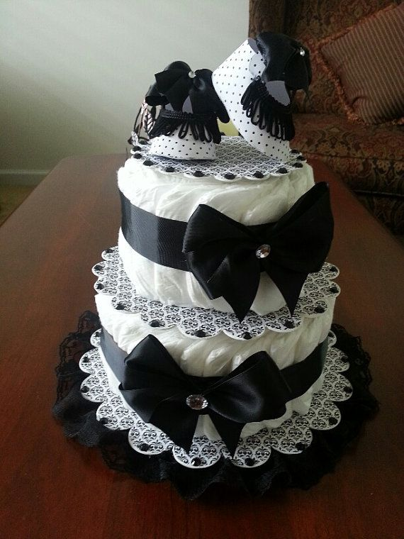 Black And White Damask Stackable Diaper Cake от TheCarriageShoppe