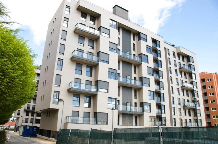Nuestra fachada exterior en Residencial Célere Tres Cantos #viviendas #inmobiliaria
