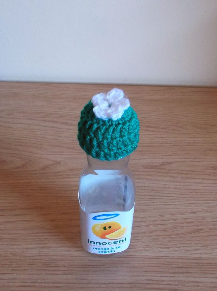 marianna's lazy daisy days: Age UK / Innocent Smoothie Hats (crochet)