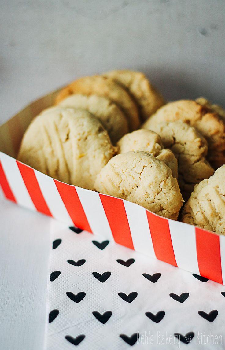 Met dit recept maak je lekkere nootachtige koekjes met het frisse van citroen
