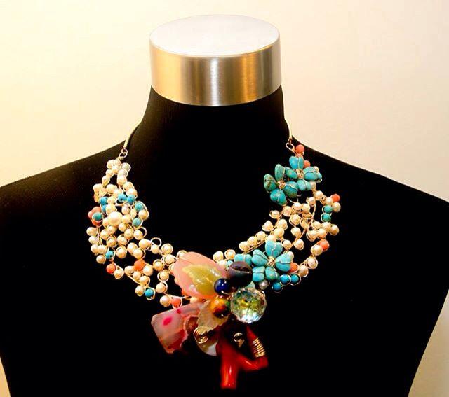 Exposición 25+1 Joyeria Contemporanea en Galeria Arte Consult. Collar Pierina Brazao.