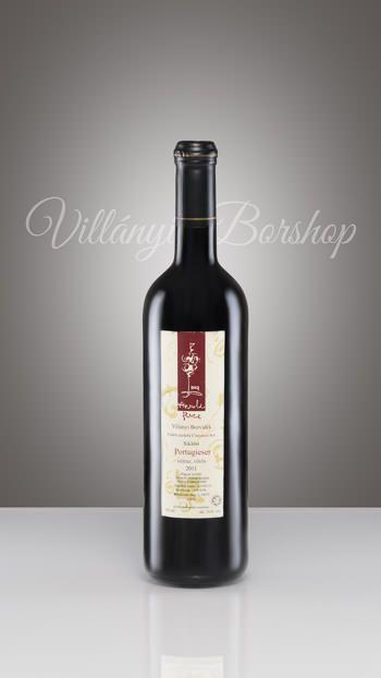 Arnold Barrique Portugieser 2011  Ezek különleges borok, melyek  rövid ideig történő barrique-kolással készültek. A füstös íz kellemesen besímult az érett borokba, melynek hatására a gyümölcsös íz előtérbe került.Rendkívül lesímult borok, különleges alkalomra.