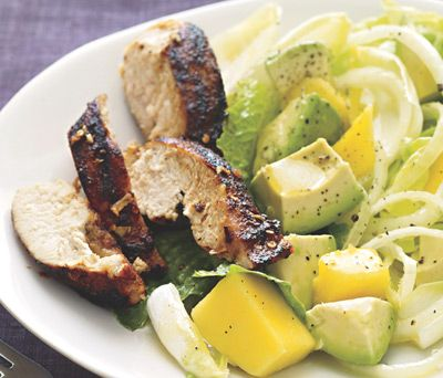 Lunch: Tropical Turkey Salad http://www.rodalewellness.com/food/8-ways-to-eat-your-way-to-lean-muscle/slide/4