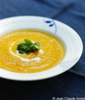 Soupe de carottes, lait de coco et gingembre