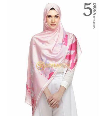 Apa yang best sangat Diona shawl 1.0 ni?? 6 Unsur-unsur seni abstrak tersebar indah pada selendang ini. The 'stroke' sebagai elemen dominan mewakili pelbagai, kreativiti dan kemerdekaan…