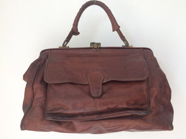 Vintage Italian brown leather doctor's bag, brand Marianelli by MORETHANVINTAGENL on Etsy