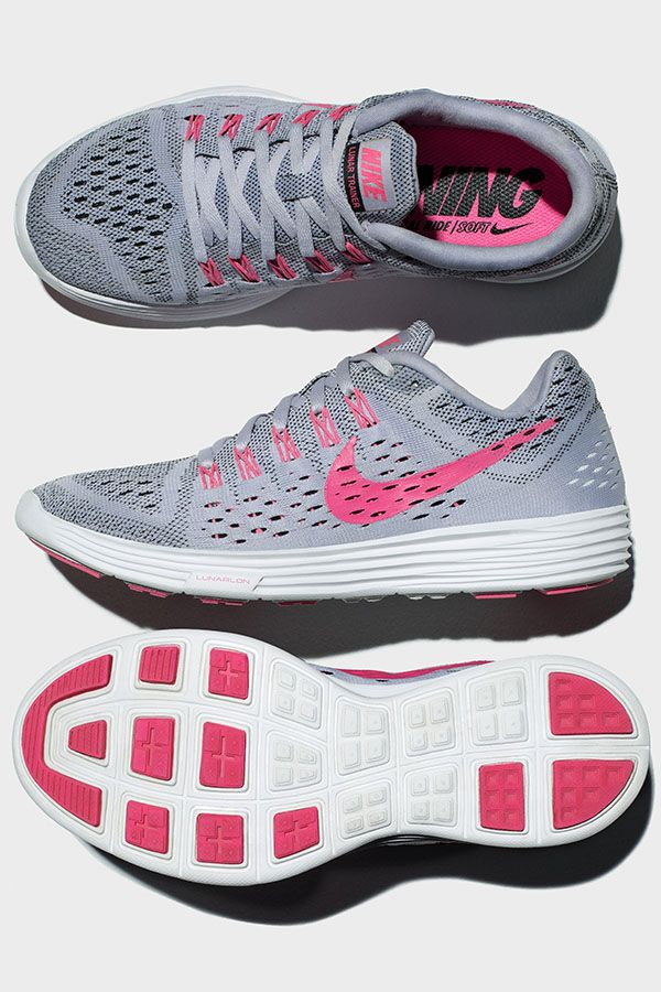Your go-to shoe for race day and training runs. The Nike LunarTempo Running Shoe gives you cushioning and support for high-speed miles.