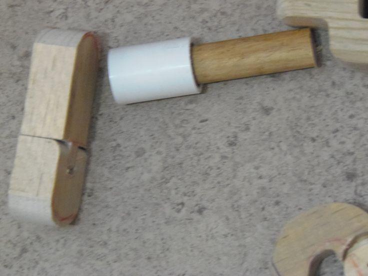 madera y tubo pvc para piernas