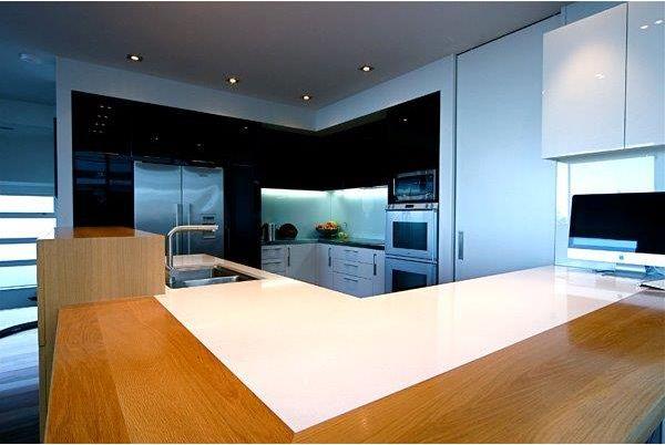 NZ Glass brings you eye-catching Kitchen Splashbacks design at lowest cost.