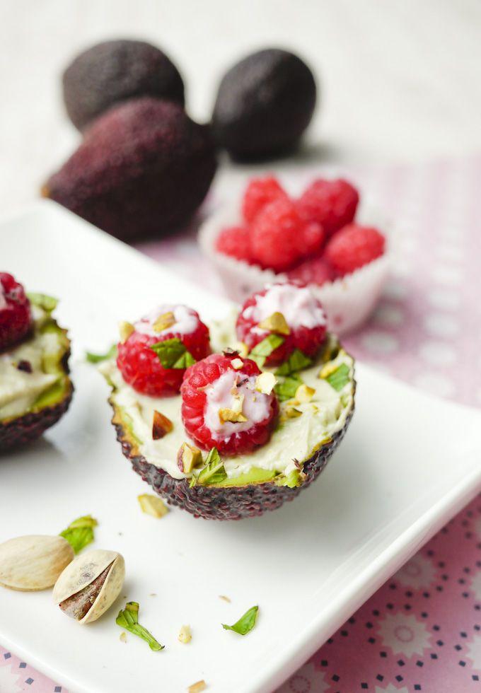 20 best cheese yogurt etc images on pinterest kitchens drinks gefllte avocado mit himbeeren und arla skyr gaumenfreundin food fandeluxe Gallery