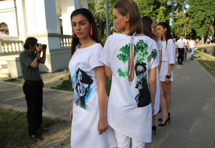 """Al treilea episod al colecţiei vestimentare Rochia Calendar,   de data aceasta intitulat """"Vara"""",   s-a desfăşurat sâmbătă,   5 iulie,   în Parcul Cen"""