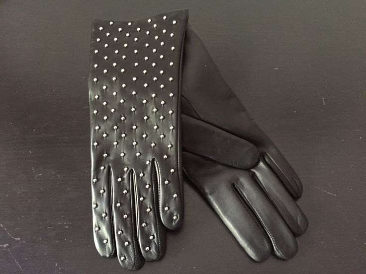 Merola Gloves with silver sphere