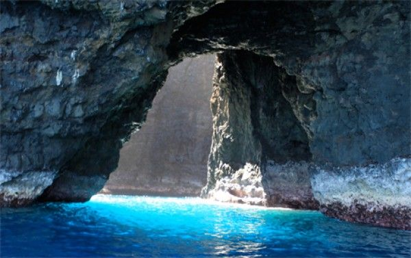 Na Pali Coast Cave in Kauai, Hawaii