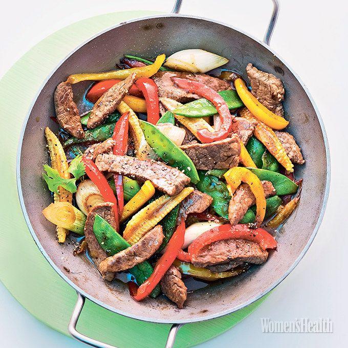 сковорода вок Баранина с овощами: Баранина + Порей + Болгарский перец + Стручковый горошек + Лимонный сок + Устричный соус + Имбирь