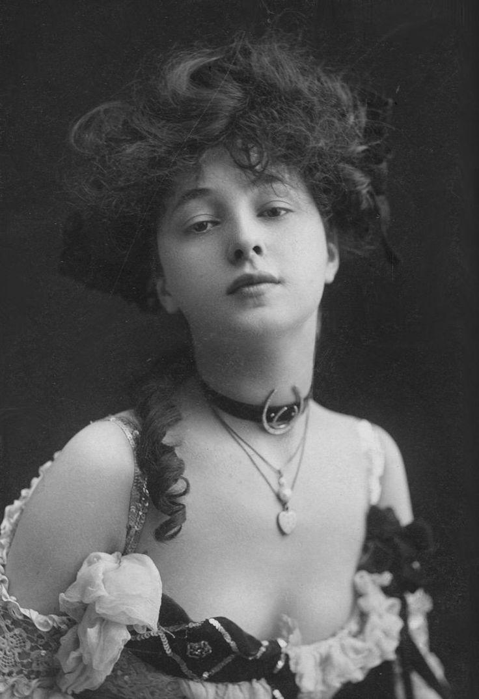 Evelyn Nesbit c. 1901