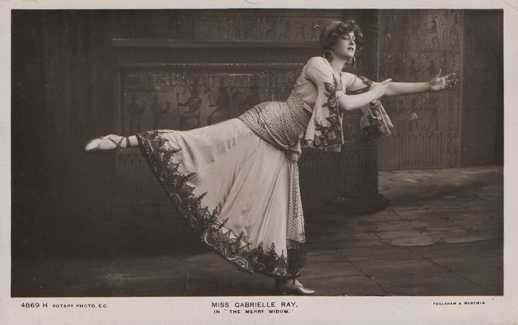 "Gabrielle Ray as ""Frou Frou"" in ""The Merry Widow"" 1907 (Rotary 4869 H) 