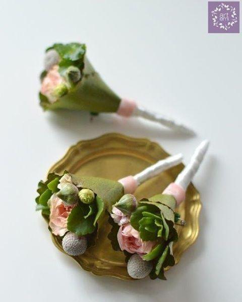 ARTEMI www.artemi.com.pl dekoracje ślubne, bukiet ślubny, butonierki, dodatki ślubne, butonierka, przypinka dla pana młodego