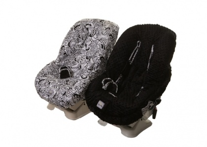 Ritzy Rider™ Toddler Car Seat Cover in Licorice Swirl & Black MinkyDot