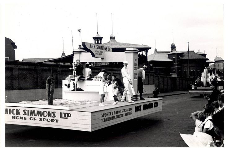 """Image 21806150 - A 'Mick Simmons Ltd' float, which formed part of the """"Australia's March to Nationhood"""" parade on January 26th, 1938. This image was taken in Driver Avenue, Moore Park. [RAHS Australia Day 1938 - Sesquicentenary Celebrations Collection]"""