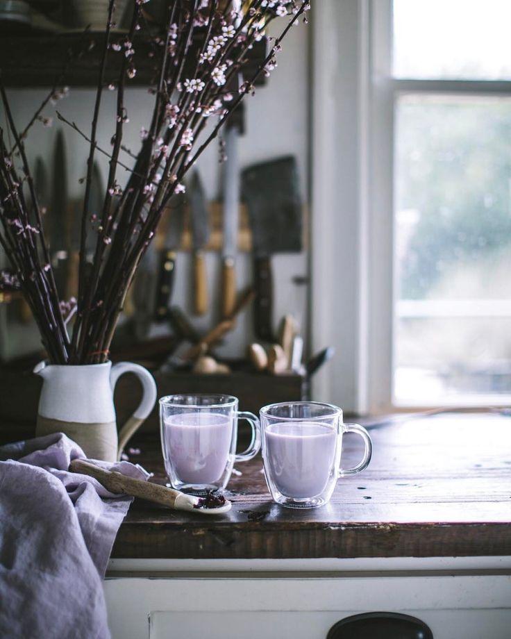 Instagram @evakosmasflores   lavender drinks & cosy light