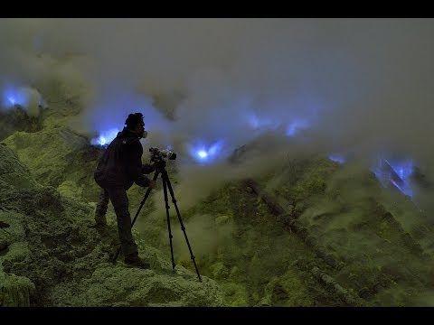 Quello strano vulcano che erutta lava blu https://tuttacronaca.wordpress.com/2014/01/12/quello-strano-vulcano-che-erutta-lava-blu/