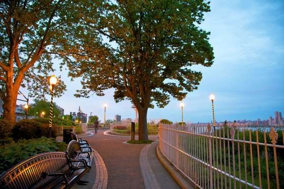 Hamilton Park, Weehawken, New Jersey - Barry Winiker/Photolibrary RM/Getty Images