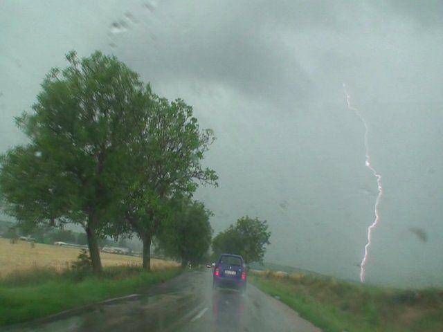 Výjezd na bouřky na Slovensko. Sledoval jsem několik multicelárních bouřek, které doprovázel převážně intenzivní désť.