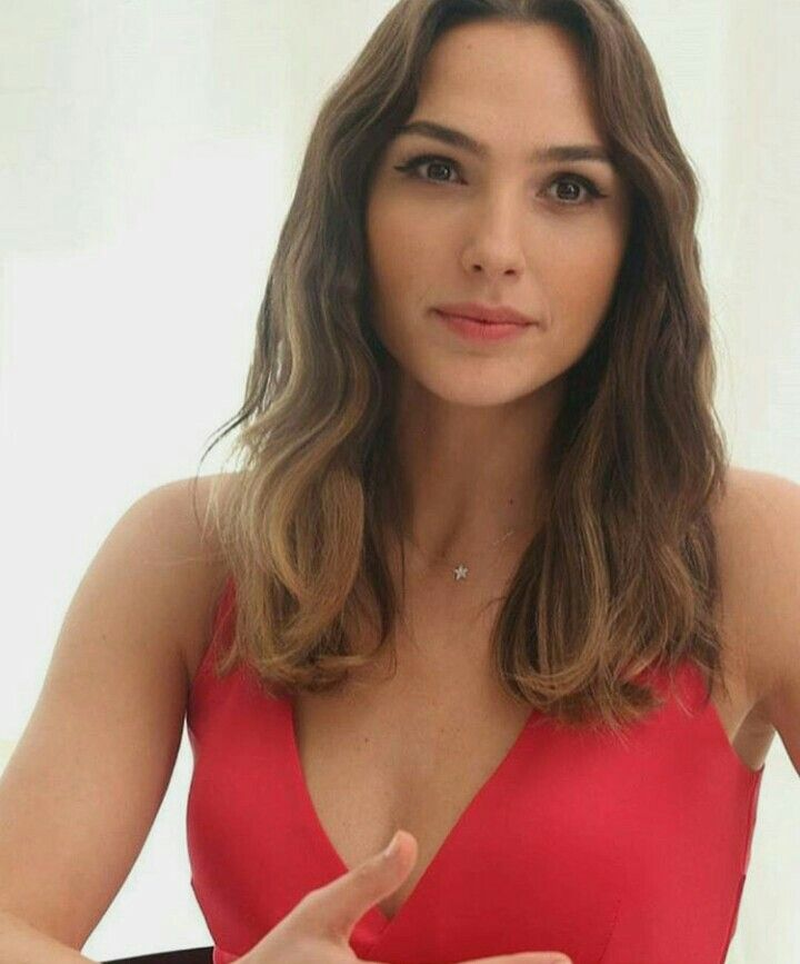 Gal Gadot...one of the most beautiful women in the world ❤