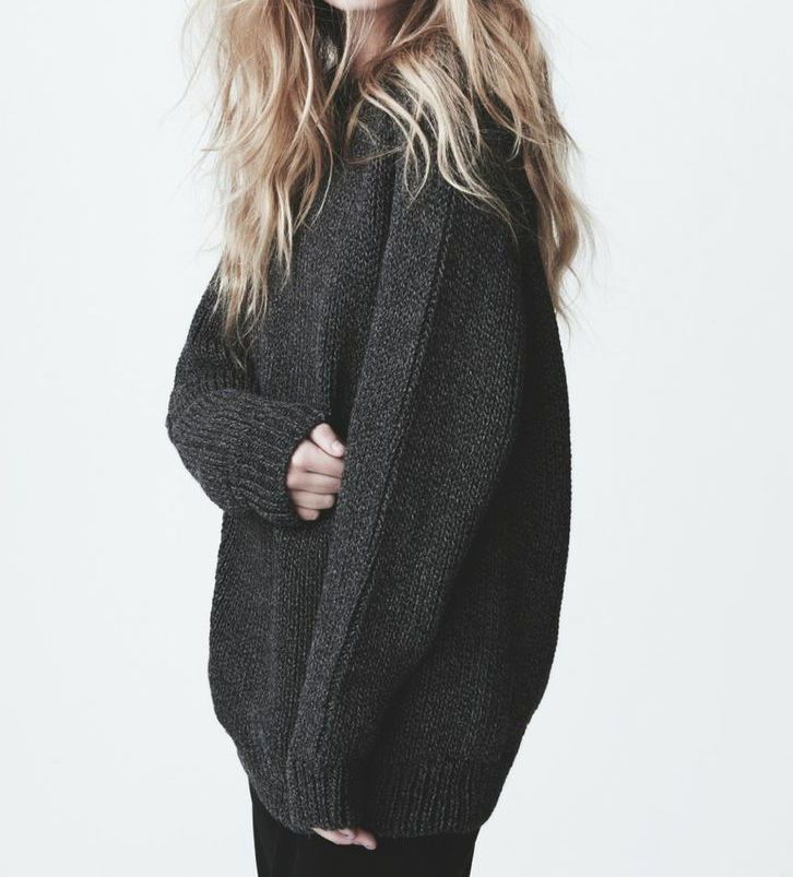 thechic-fashionista:   Sweater... A Fashion Tumblr full of Street Wear, Models, Trends & the lates
