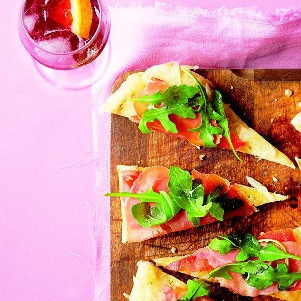 Prosciutto pizzettes with orange ruby fizzes recipe - Chatelaine.com