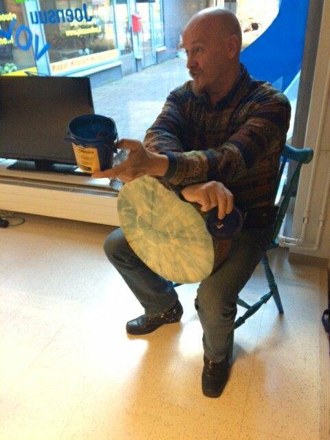 Healing Drum Ari Kuivalainen, navajoterapeutti ja rummuntekijä
