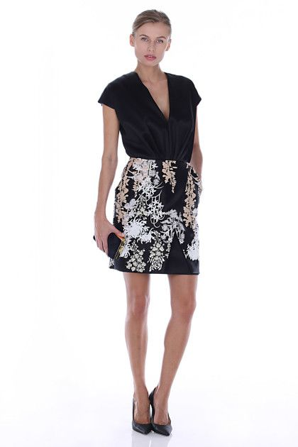 Affitta questo favoloso abito Blumarine su Drexcode!   Rent it!