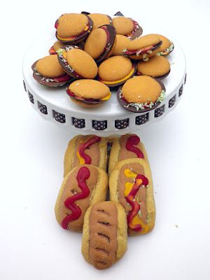 Hamburger and Hot Dog Cookies!  So easy and perfect for July 4th BBQ and Canada Day celebrations!
