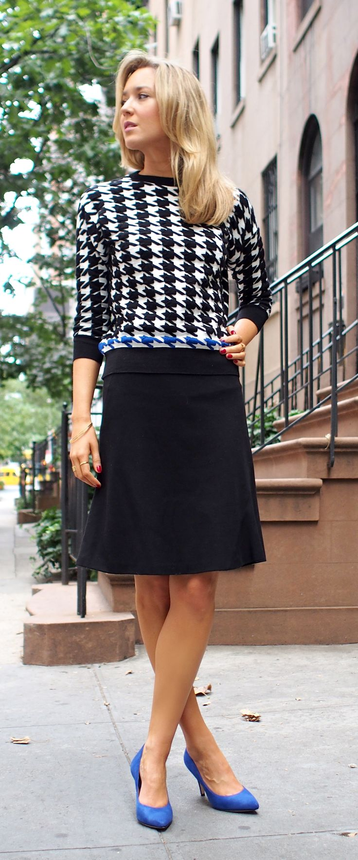 sweater, a-line knit skirt, blue suede pumps, heels, fall trend