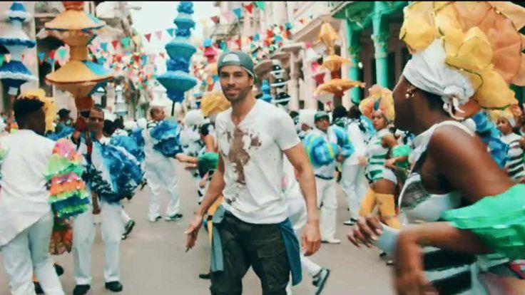 El último éxito de Julio Iglesias - SUBEME LA RADIO - Video Clip en las calles de Cuba. Enrique Iglesias ft. Descemer Bueno & Zion & Lennox