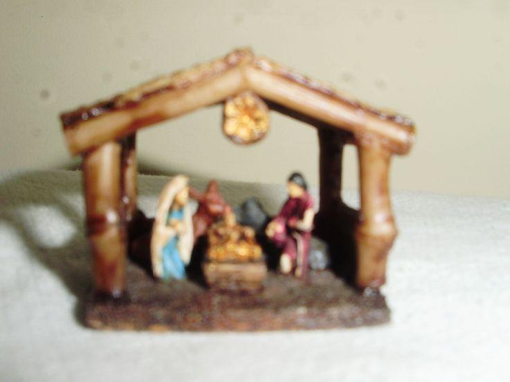 Nacimiento del Niño Dios miniatura en resina, comprado en Buga en 2012