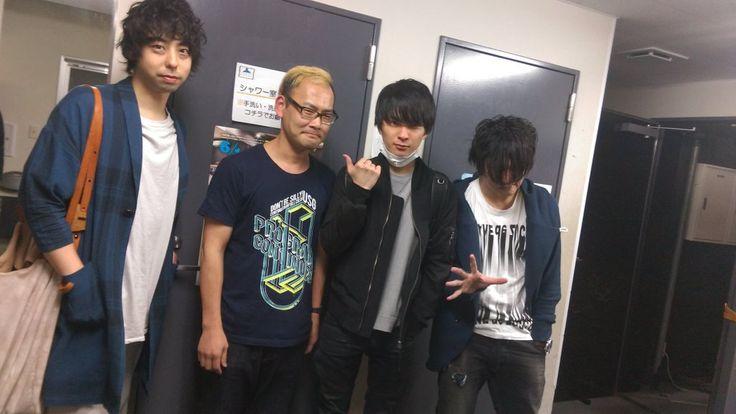 @kamijimajun UNISON SQUARE GARDEN × 窓枠 楽しんでいただけたでしょうか? 次の静岡でのライブは7月22日(金)清水マリナート!清水と浜松は仲悪くないからね!ホールのユニゾンも楽しいぞ。