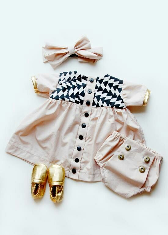 Adorable baby outfit for the little princese