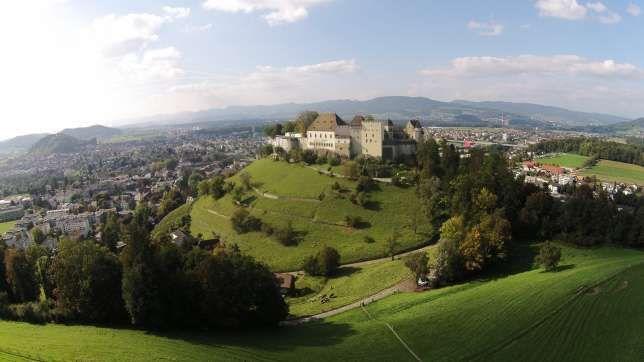 Top-Lage: Von Schloss Lenzburg AG hat man einen weiten Blick über den Kanton Aargau.