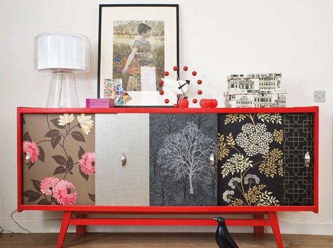 Papier peint vintage / Plus d'infos : http://sensionest.com/6-trucs-astuces-deco-pour-reussir-la-customisation-de-vos-meubles/