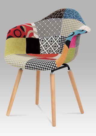 CT-723 PW2 Moderní židle v žádaném provedení patchwork, nohy jsou z masivního dřeva v přírodním odstínu. Nosnost této židle je do 100 kg.