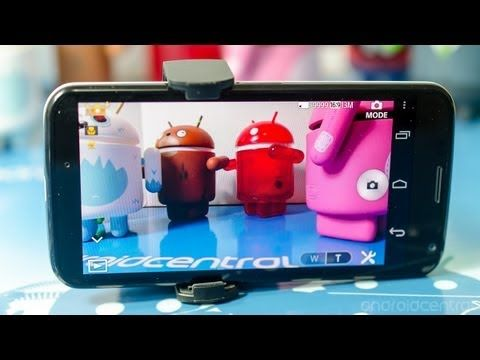A look at how the QX10 operates, and a review of the PlayMemories Mobile app for Android. http://phon.es/qx10