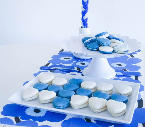 Vanilla & Blueberry Macarons. Finland's Independence Day