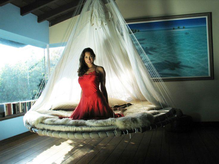 Подвесные кровати с балдахином и без Floating Bed