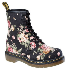 les 25 meilleures id es concernant doc martens floral sur pinterest bottes grunge la mode doc. Black Bedroom Furniture Sets. Home Design Ideas