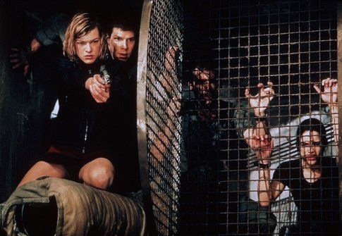 Milla Jovovich (Alice), Eric Mabius, James Purefoy and Michelle Rodriguez in Resident Evil