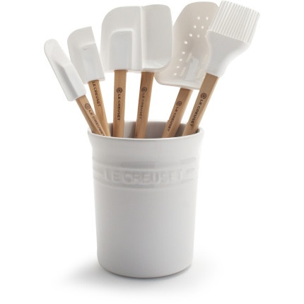These spatulas are useful for everything from icing baked goods to folding delicate batters. Removable, dishwasher-safe heads are safe to use on nonstick cookware and won't absorb flavors or odors.